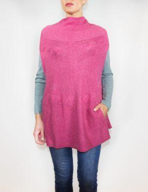 Again-Cashmere-cashmere-poncho-audrey-color-frambuesa-frontal